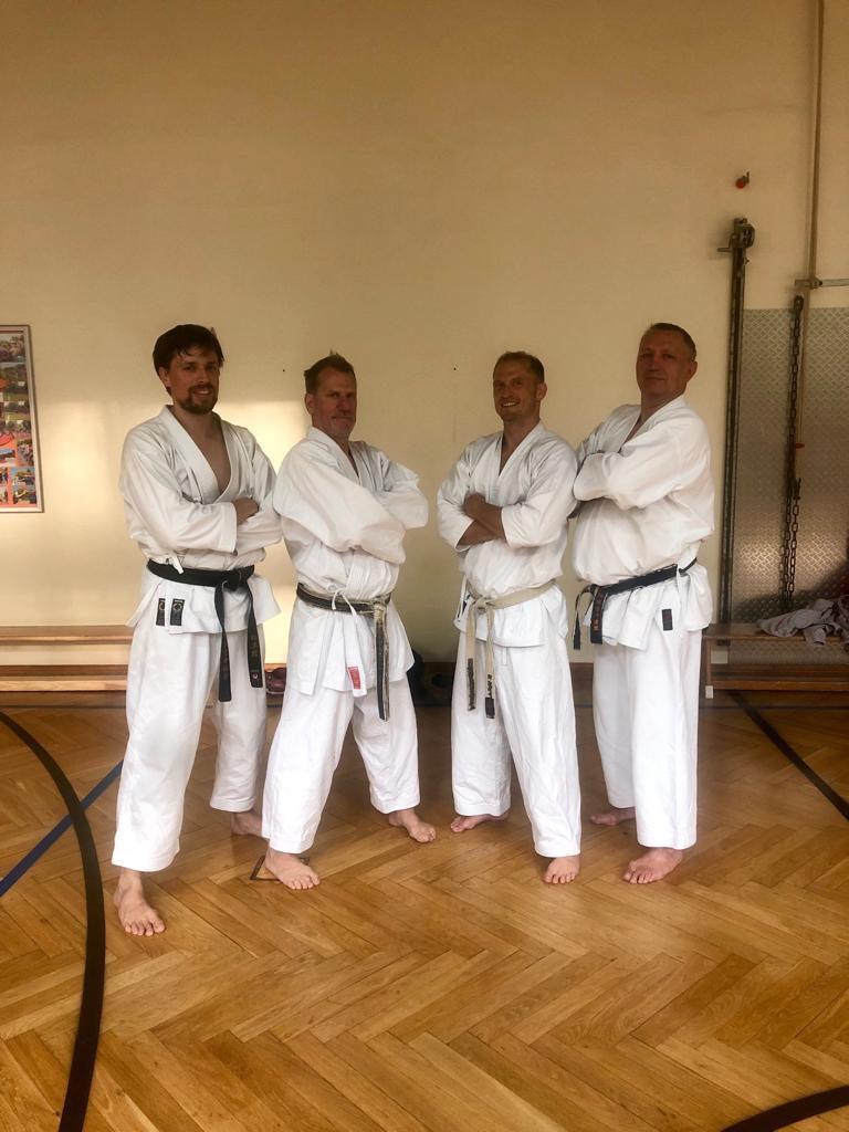 Unsere Trainer Raoul, Jürgen und Andi mit Joachim Jelko, Ehrenmitglied unseres Vereins und Vizepräsident des Hessischen Fachverbandes für Karate